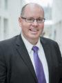 Portraitaufnahme Prof. Dr. Robert Esser